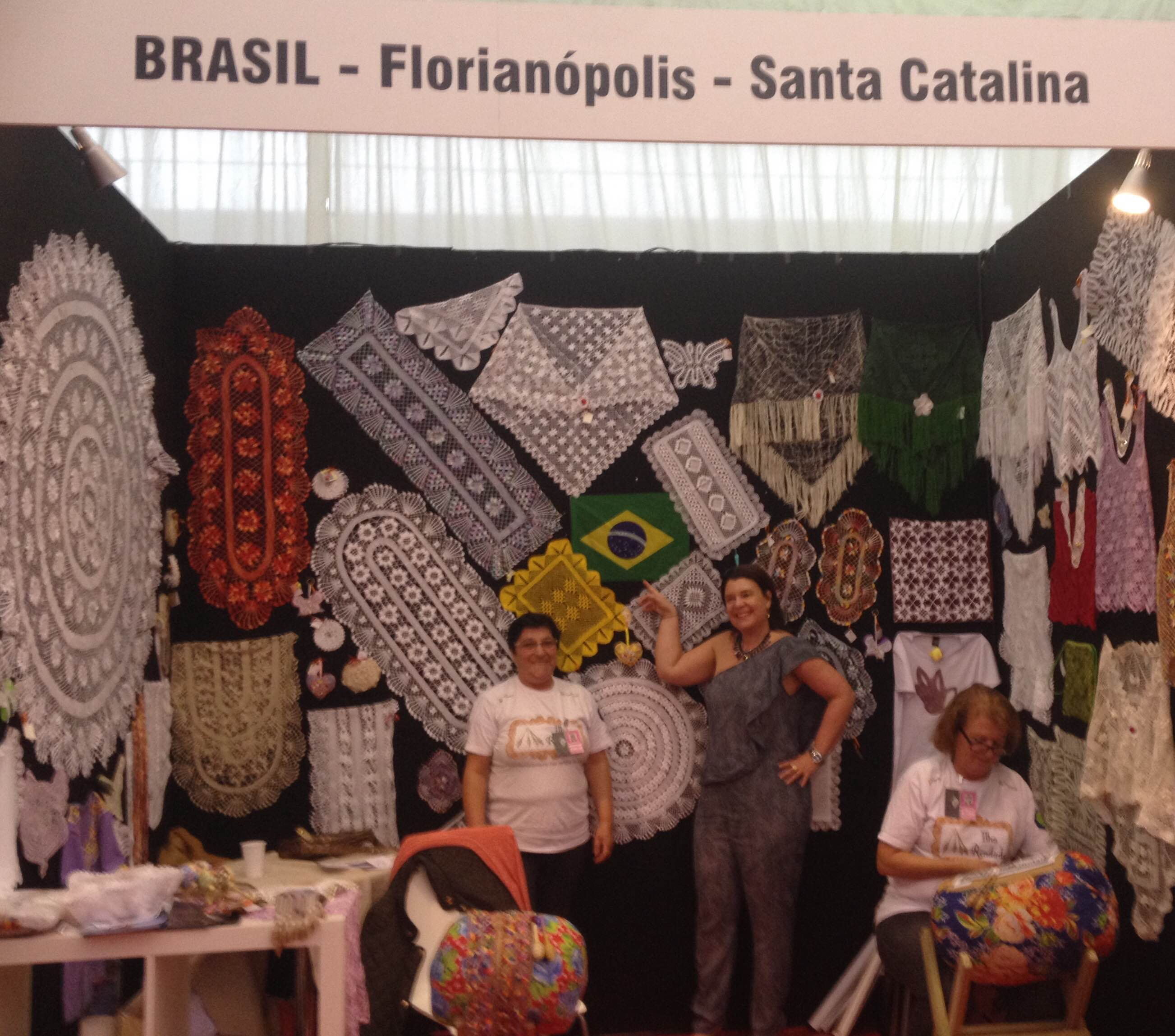 Renata Pessanha de Menezes en el Stand de Brasil